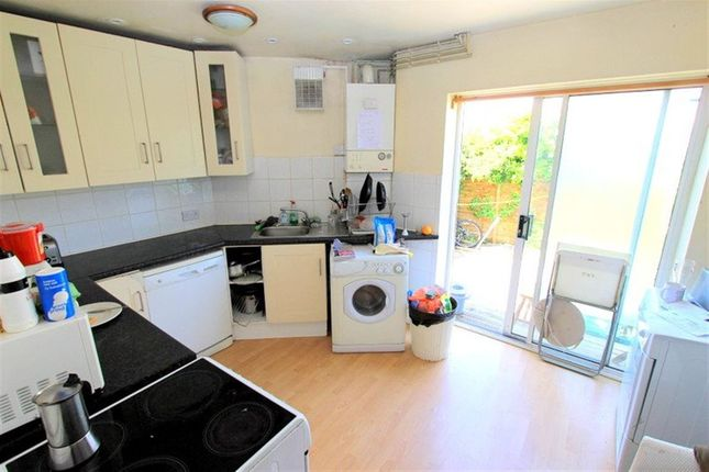 Thumbnail Property to rent in Islingword Place, Brighton