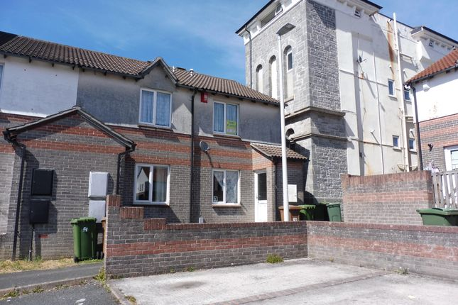 Thumbnail Flat to rent in Washbourne Close, Plymouth
