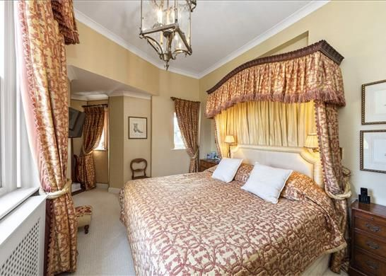 4 Bedrooms Kt10 of Ruxley Towers, Claygate, Esher KT10