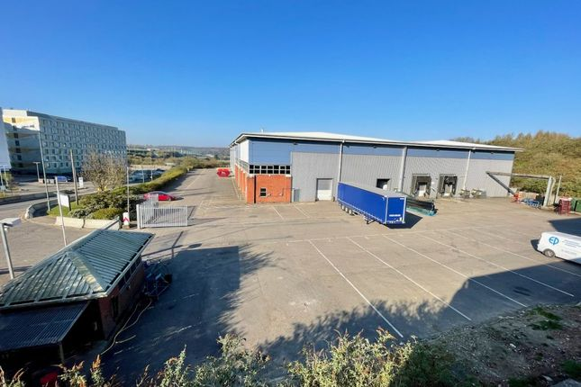 Thumbnail Industrial to let in Preservation House, Airport Way, Luton