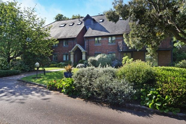 Thumbnail Flat to rent in Woburn Hill, Addletone