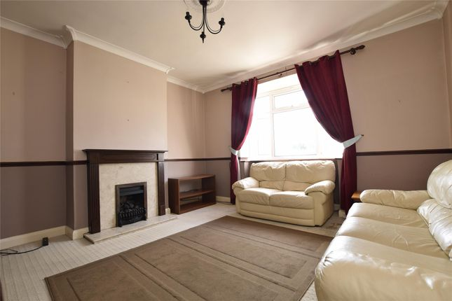 Thumbnail Flat for sale in Corbets Tey Road, Upminster, Essex