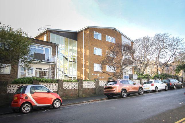 2 bed flat for sale in Bristol Gardens, Brighton