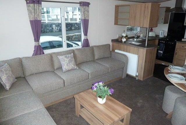 Winkups Holiday Park - Towyn-5