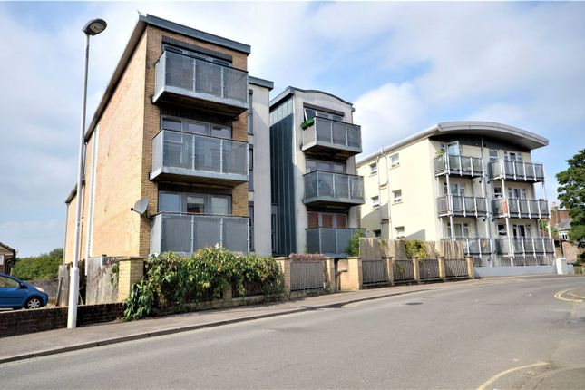 Thumbnail Flat to rent in 45 Queens Road, East Grinstead, West Sussex