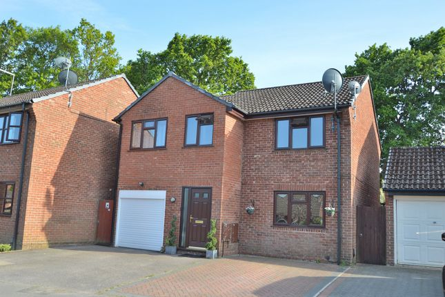 Thumbnail Detached house for sale in Caernarvon Gardens, Valley Park, Chandler's Ford