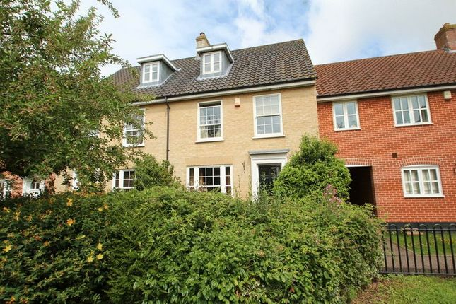 Thumbnail Town house for sale in Bromedale Avenue, Mulbarton, Norwich