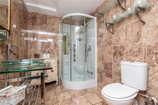 En Suite of Whinfield Lane, Ashton-On-Ribble, Preston PR2