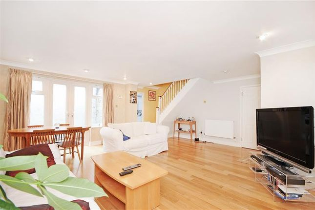 Thumbnail Property to rent in Palace Mews, London
