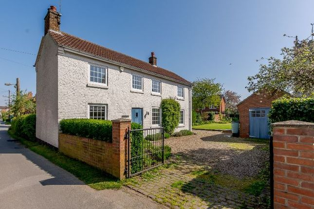 Thumbnail Detached house to rent in Vicar Lane, Eastrington, Goole
