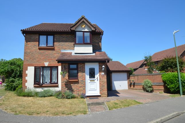 Thumbnail Detached house for sale in The Weavers, Maidstone