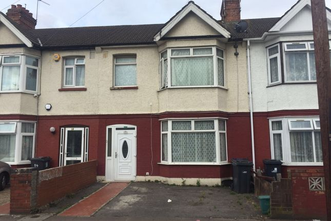 4 bed terraced house for sale in Dane Road, Southall