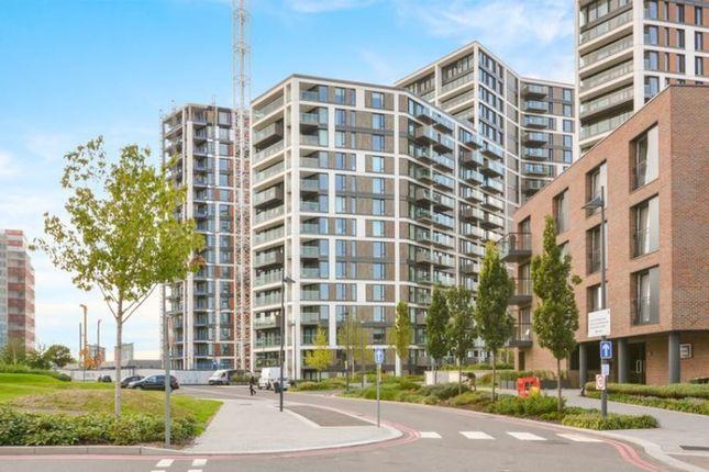 Thumbnail Flat to rent in Duke Of Wellington Avenue London, London