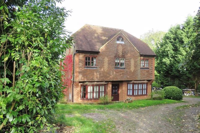 Thumbnail Detached house for sale in East Grinstead, West Sussex