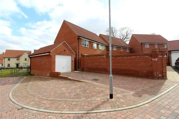 Picture No. 29 of Lee Walk, Haverhill, Suffolk CB9
