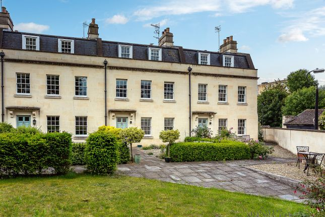Thumbnail Terraced house to rent in Henrietta Place, Bath