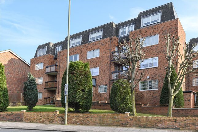 2 bed flat for sale in Berkeley Court, Hale Lane, Edgware