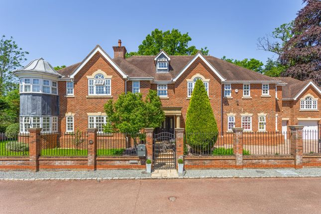 Thumbnail Detached house to rent in Priests Paddock, Knotty Green, Beaconsfield