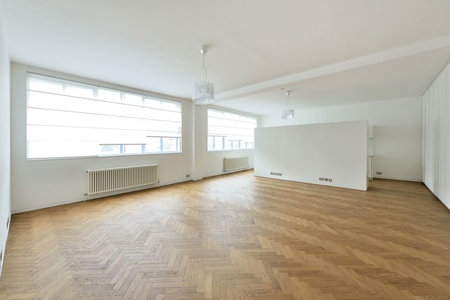 Thumbnail Flat to rent in Clerkenwell Road, London