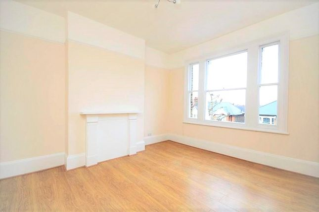 1 bed flat to rent in Highlever Road, London W10