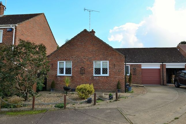 3 bed detached bungalow for sale in Searle Close, Fakenham, Norfolk.