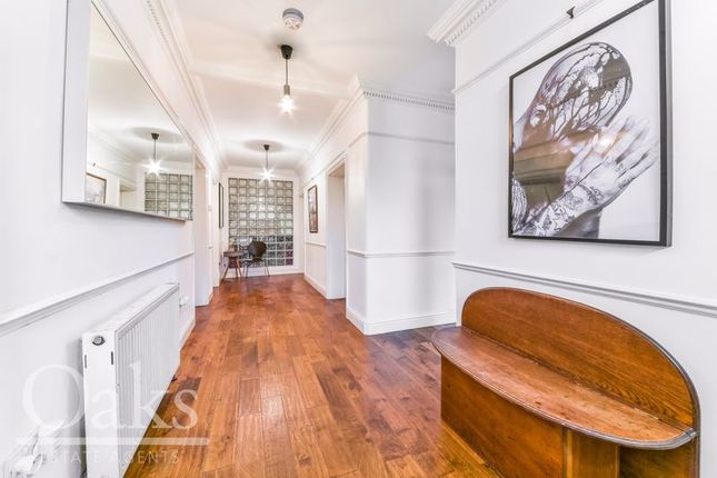 Hallway of Warminster Road, London SE25