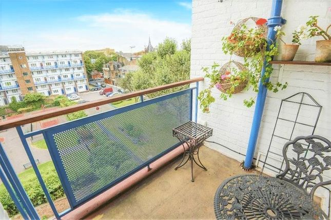 Thumbnail Flat to rent in Cluny Estate, London