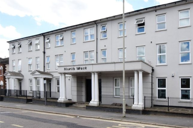 Picture No. 01 of North West Apartment, 25 Woodford Road, Watford, Hertfordshire WD17