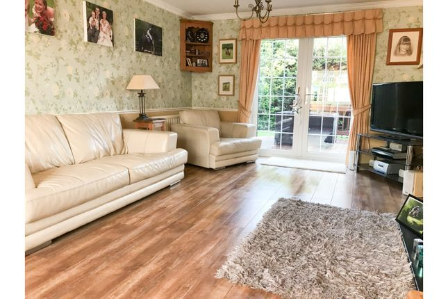 Lounge of Bodycote Close, Broughton Astley LE9
