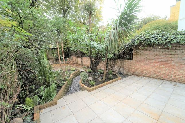 Thumbnail Flat to rent in Sutherland Avenue, London