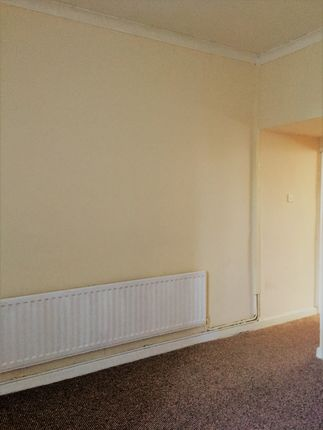 Thumbnail Terraced house to rent in Lime Street, Pennfields