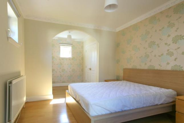 Thumbnail Mews house to rent in Syme Crescent, Edinburgh