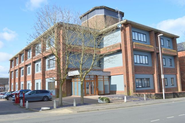 Thumbnail Flat for sale in Cantelupe Mews, Cantelupe Road, East Grinstead