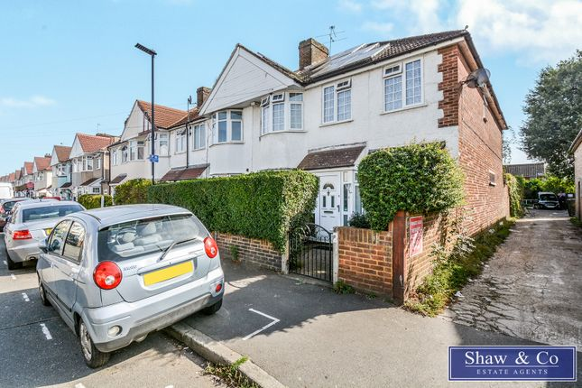 4 bed end terrace house for sale in Sunningdale Avenue, Feltham TW13