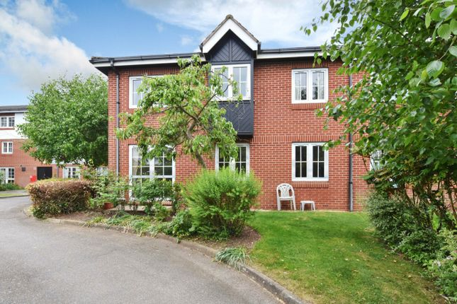 Thumbnail Flat for sale in Woodmere Court, Southgate