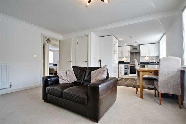 Thumbnail Flat for sale in Wharf Way, Hunton Bridge, Kings Langley