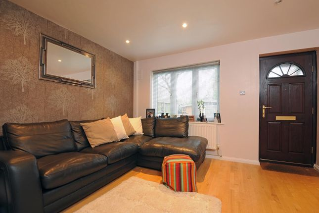 Thumbnail Town house to rent in Campbell Close, London