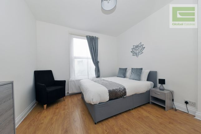 Thumbnail Room to rent in Links Road, Tooting
