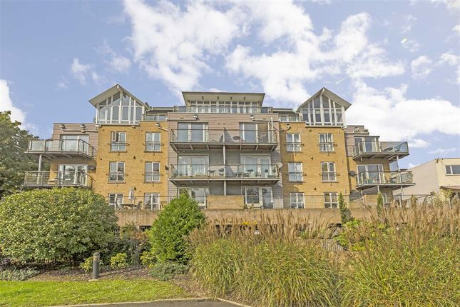 2 bed flat for sale in High Street, Brentford
