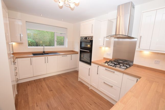 2 bed detached bungalow to rent in Trentham Road, Blurton, Stoke-On-Trent
