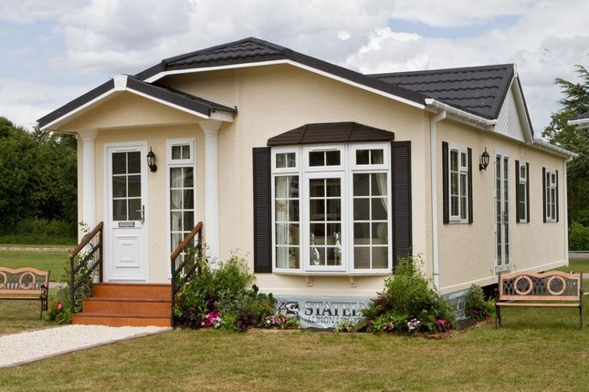 Thumbnail Bungalow for sale in Badminton Marlee Loch, Kinloch, Blairgowrie