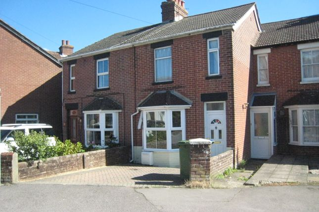 Thumbnail Cottage to rent in Deanes Park Road, Fareham