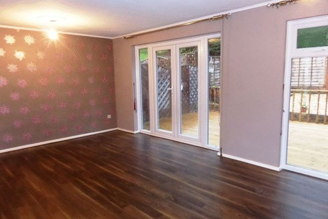 3 bed terraced house to rent in Charlton Gardens, Coulsdon