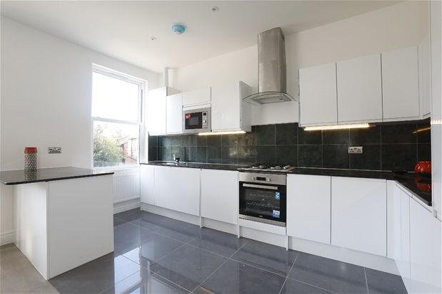 Thumbnail Flat for sale in Thurlow Park Road, London