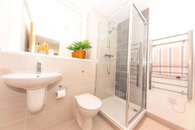 1 bed terraced house to rent in Trinity Green, Mile End Road, London E1