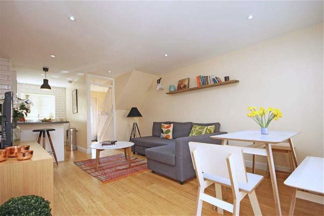 Thumbnail Property to rent in Woodseer Street, London