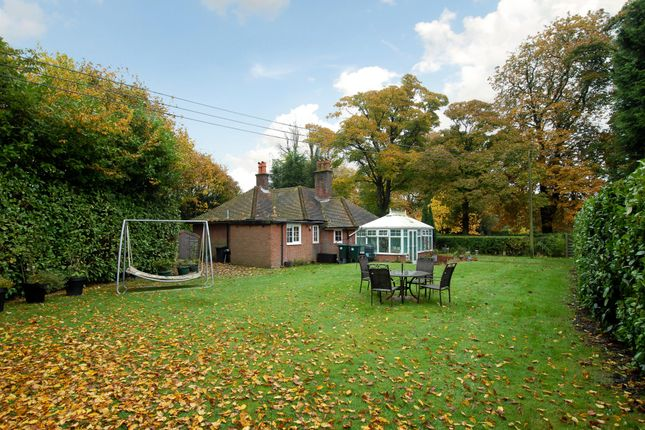 Thumbnail Cottage to rent in Cryers Hill Road, Cryers Hill