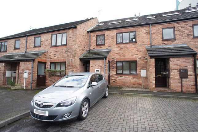 3 bed flat to rent in St. Marys Court, Duke Street, Derby