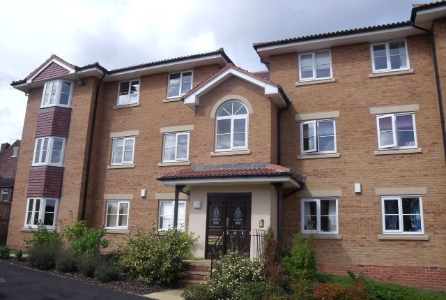 Thumbnail Flat to rent in Falconer Way, Treeton, Rotherham