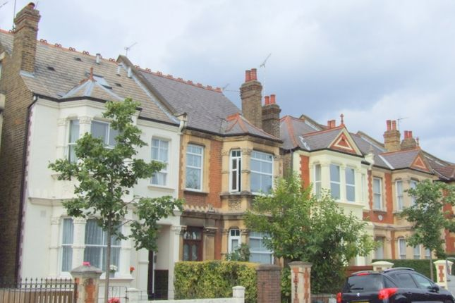 Thumbnail Property to rent in Thornbury Road, Isleworth